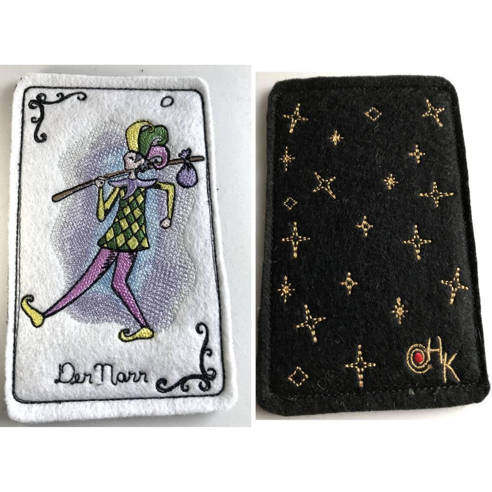 Tarot-Karte 'Der Narr'  /  'The Fool' aus dem Großen Arkana - gestickt auf Wollfilz Bild 1