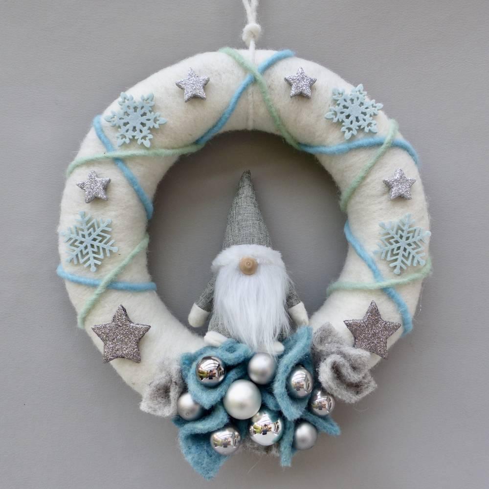 Türkranz aus Filz, Winterkranz, Deko-Kranz für den Winter, Adventskranz mit Wichtel Bild 1
