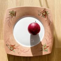 Weihnachtsteller Porzellan handbemalt mit Glanzgold und Federzeichnung Bild 1