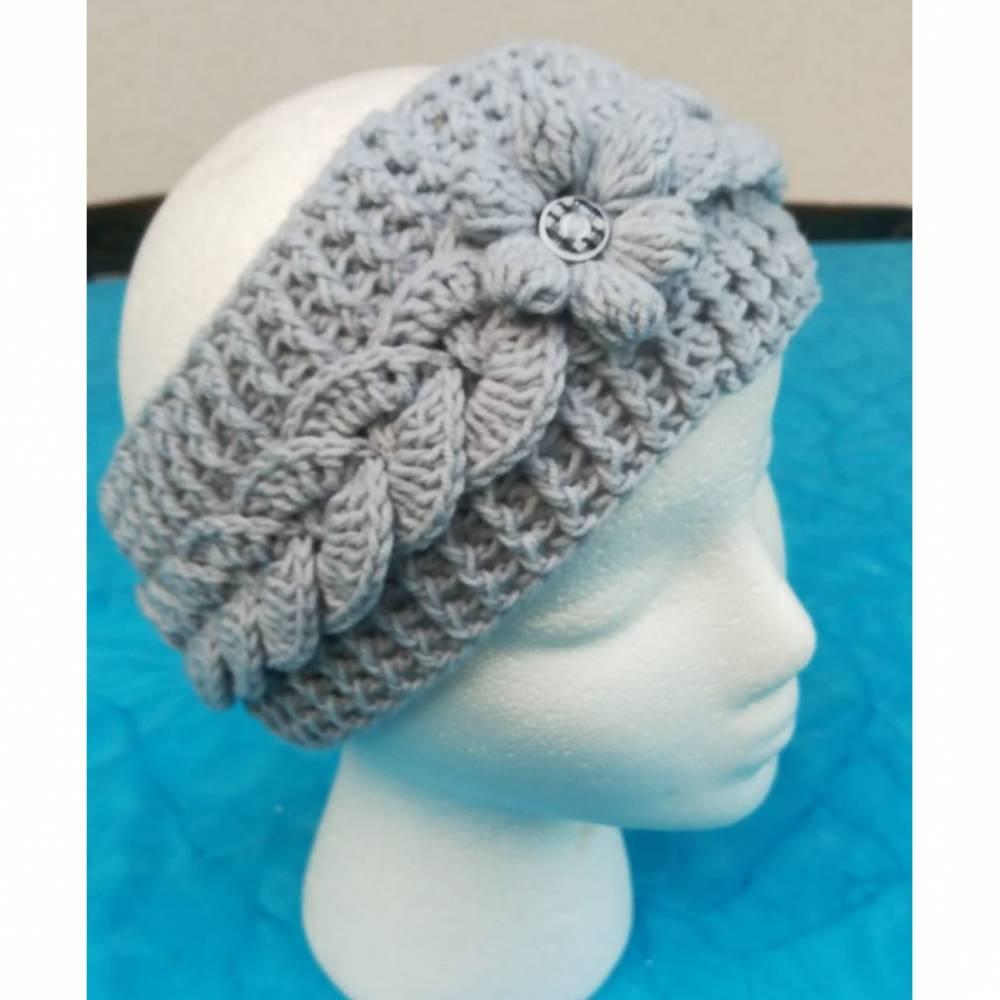 Stirnband gehäkelt silbergrau mit Blume und Knopf Handmade Bild 1