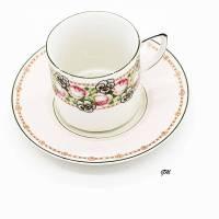Vintage,  Kaffeetasse mit Untertasse aus Porzellan, Rarität um 1900 sehr gut erhalten, Handarbeit, Blumenmuster, Bild 1