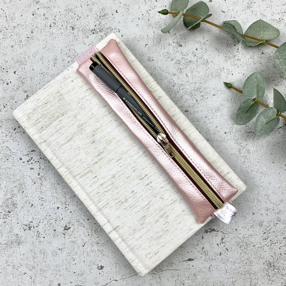"""Stifte-Etui """"Rosa"""" mit Gummiband für deinen Organizer oder Kalender  Bild 1"""