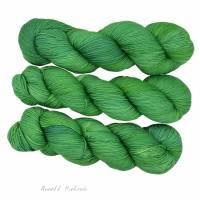 100% Schurwolle - handgefärbte Wolle - Nr. 8.8. Bild 1