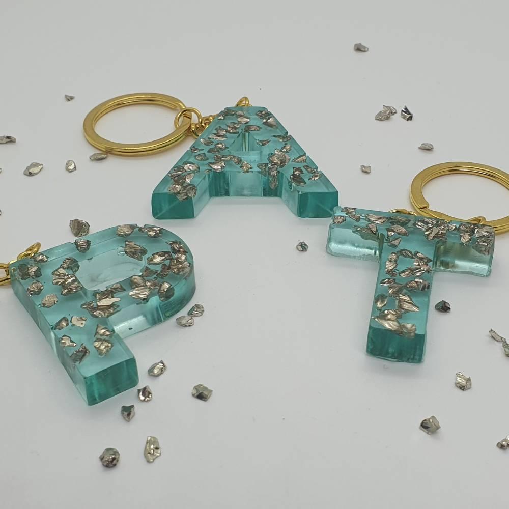 Schlüsselanhänger Buchstaben Harz Resin A-Z gold Steinchen blau Bild 1