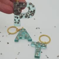 Schlüsselanhänger Schlüsselband Buchstaben Harz Resin A-Z gold Steinchen blau Bild 4