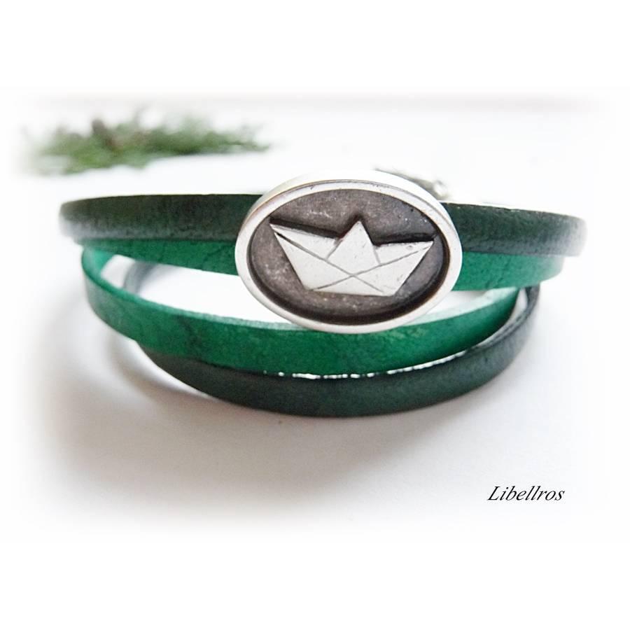Wickelarmband aus Leder mit Papierschiffchen und Fischen - Lederarmband,Armband,maritim,grün Bild 1
