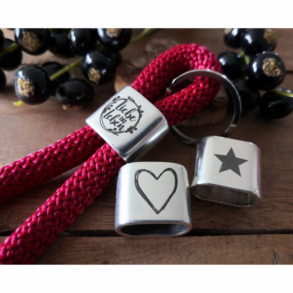 Schlüsselanhänger aus Segeltau und graviertem Zwischenstück, Anhänger aus Segelseil Bild 1