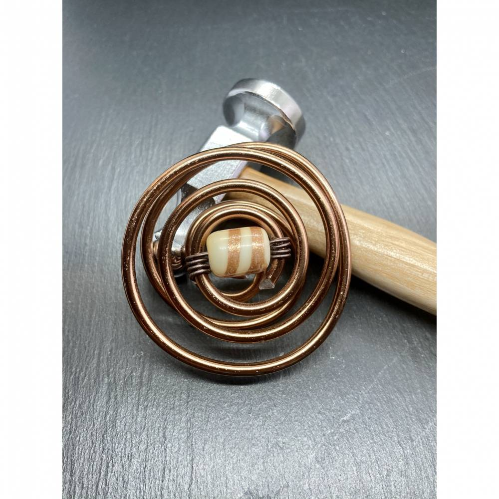 Schalhalter Cognacfarben mit Perle Schalschnecke Tuchmuschel Schalklemme Loopklemme Bild 1
