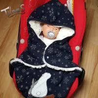 Baby Einschlagdecke für Autoschale, dunkelblauer Sweatshirt, gefüttert mit einem Kunstfell, passend für 0-6 Monate Bild 2