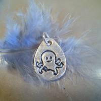 Silberanhänger mit eingeprägtem Oktopus, 999 Silber, mattiert mit Glitzereffekt Bild 1