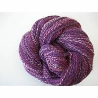Varianten ab 11,55 eur .Handgesponnenes Art yarn, Künstlergarn, violett bunt, 2-ply, 100% Schurwolle austral. Merino Bild 1