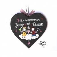 Geschenk zum Valentinstag, Türschild Schiefer handbemalt, Schieferherz personalisiert, Engel und Teufel, Schiefertürschild wetterfest, Paargeschenk Bild 1