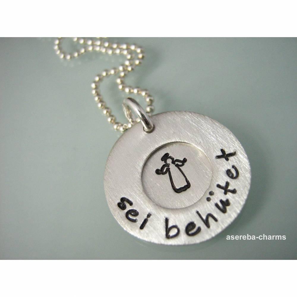 """Kette """"Sei behütet"""": Das perfekte Geschenk zur Geburt oder Taufe (mit Name und Geburtsdatum) Bild 1"""