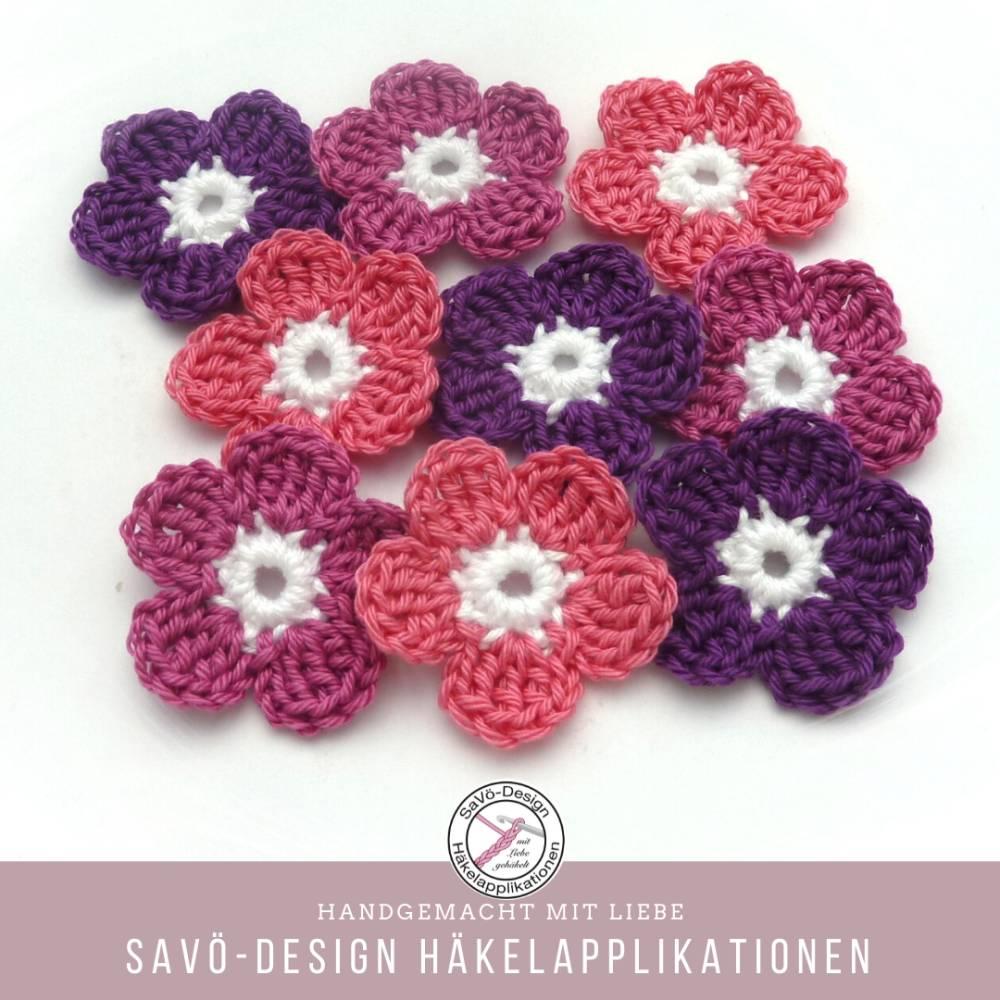 9 kleine Häkelblumen , gehäkelte Blüten zum aufnähen Bild 1