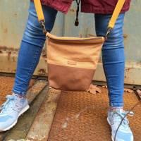 Handtasche Umhängetasche Tasche senfgeb Punkte Kunstleder Bild 4