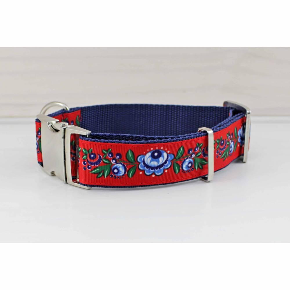 Hundehalsband mit Blumen,rot, blau, geblümt, Blumen, Blüten, Hund, Haustier, Welpe, boho, floral, traditionell Bild 1