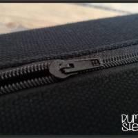 Tabaktasche Rottöne grafisch gemustert mit Gummiband Bild 2