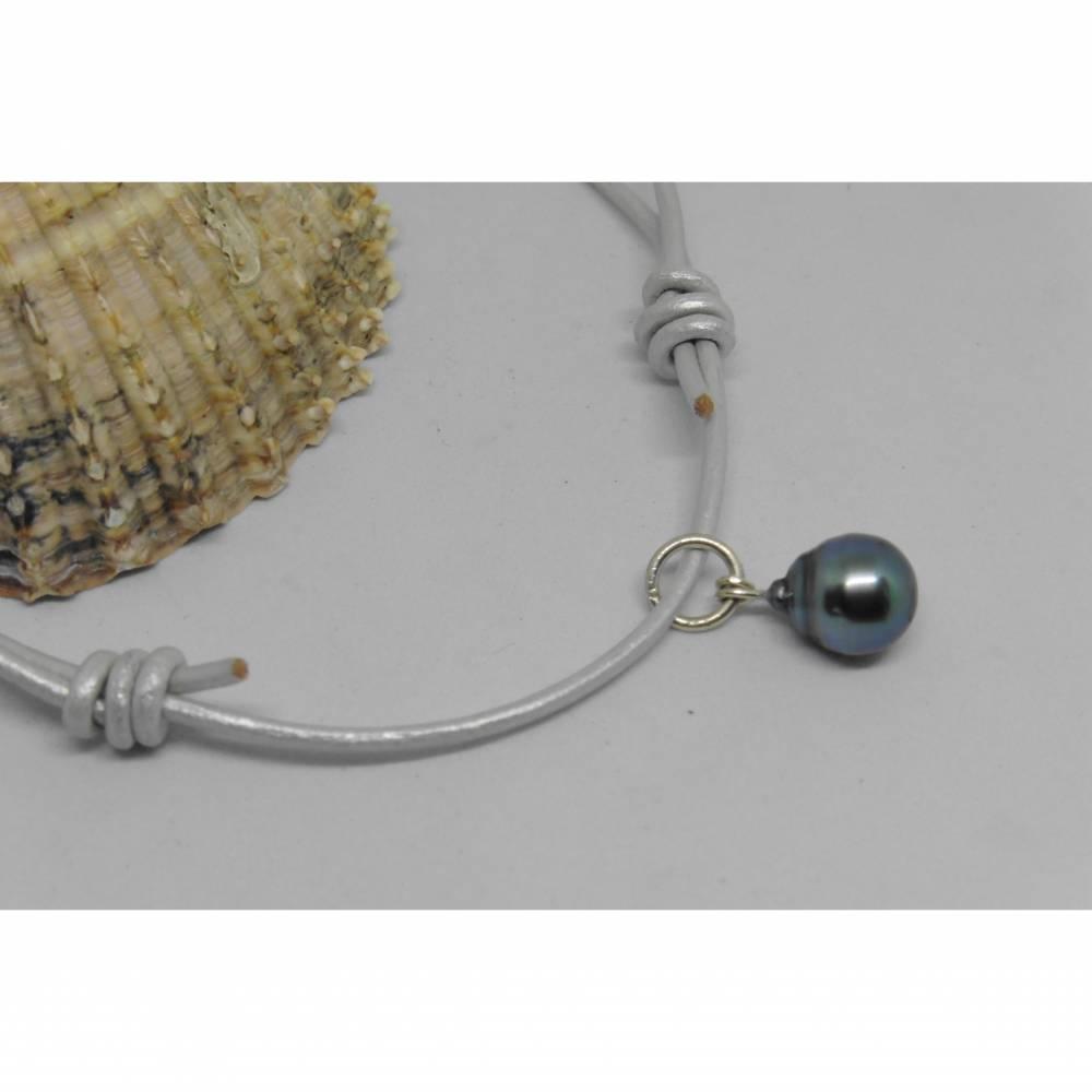 Lederkette mit Tahiti-Perle, Länge verstellbar, sportlich lässig Boho-Style, Urlaubsschmuck Bild 1