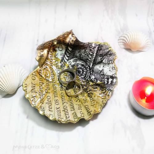 Dekoschale aus echter Jakobsmuschel , Ringschale, Gold / Silber mit Schrift