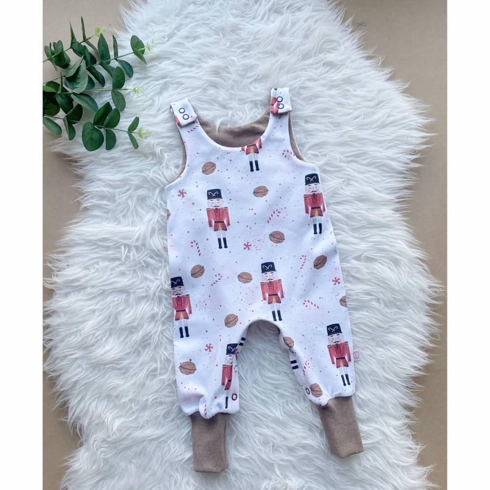 Babystrampler Nussknacker mit Druckknöpfen Bild 1