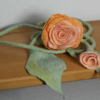 Rosen-Gürtel handgefilzt aus feinster apricotfarbener Wolle und Seide  Bild 1
