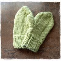Baby Handschuhe, Fäustlinge in grün Bild 1