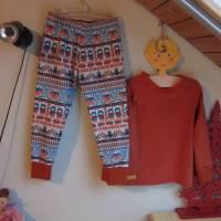 Zweiteiler Inuit Dreams Pulli mit langen Arm und Hosen Set.  Schlafanzug Jersey Stoff Gr. 110-5 Jahre Eskimo Totem Moti Bild 6