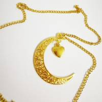 1x goldfarbene Mondkette mit Herzchenanhänger Bild 2