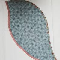 Dekorativer Tischläufer oder  Platzset in Blattform für einen schön gedeckten Tisch Größe: 56 x 27 cm  Bild 2