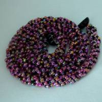 Schicke lange Glasperlenkette von Hand gehäkelt, schwarz violett, 77 cm, Häkelkette lang, Magnetverschluss Bild 1