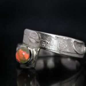 Unikat Opalring - kunstvoller Silberring mit top Opal - handgemacht aus 925er Silber - Designerstück Goldschmiedering Bild 3