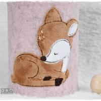 Spardose mit bestickter rosa Filzhülle 'Reh' und auf Wunsch Name Bild 4
