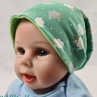 Mütze zum Wenden für 6-12 Monate / Kopfumfang 39-42 cm, neonfarben und mit süßen kleinen Schafen Bild 3