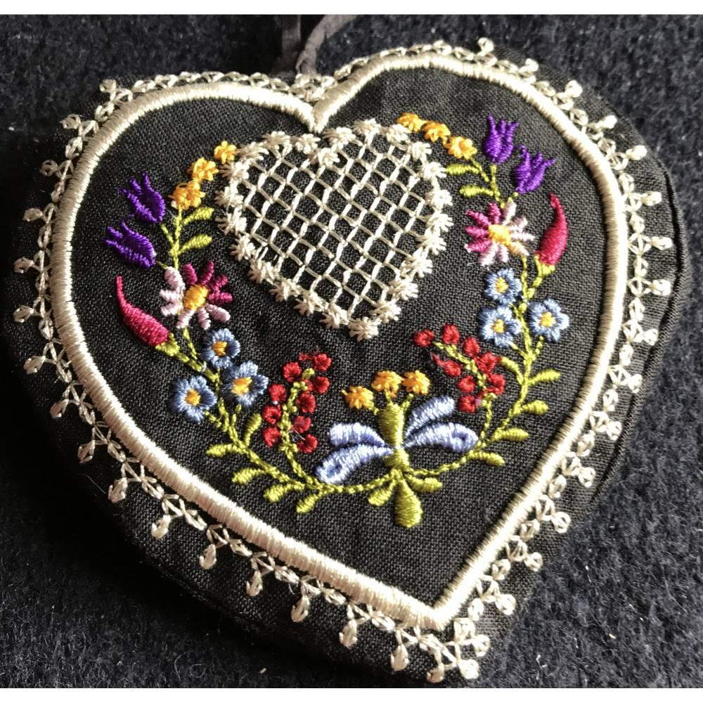 Lavendel-Duft-Herz  zum Knautschen aus schwarzem Leinen - Trostspender für Kranke / ältere Menschen Bild 1