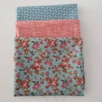 """Stoffpäckchen aus der Serie """"Super Bloom"""" von Edyta Sitar, sowie ein Beistoff von Debbie Mumm. 3 Fat Quarter  Bild 1"""