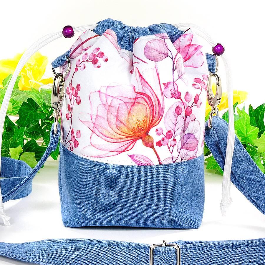 Umhängetasche/ Beuteltasche aus Jeans (Upcycling) und Patchworkstoff | Farben blau-weiß/pink/orange/bordeaux/violett Bild 1