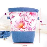 Umhängetasche/ Beuteltasche aus Jeans (Upcycling) und Patchworkstoff | Farben blau-weiß/pink/orange/bordeaux/violett Bild 2