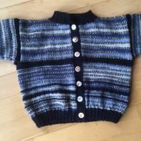 Babyjäckchen Gr. 98, Kinderstrickjacke , Blautöne  Bild 1