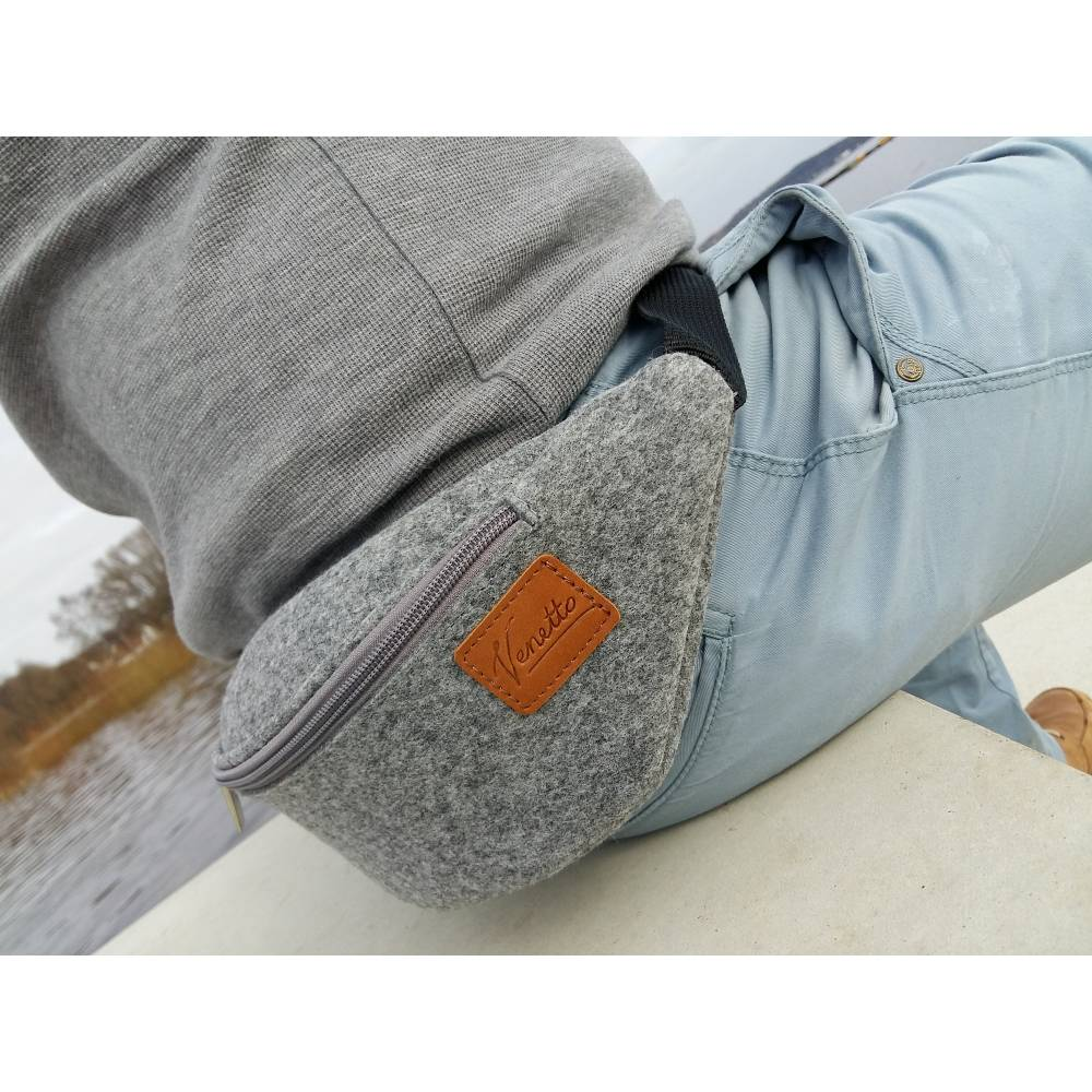 Gürteltasche Bauchtasche Hüfttasche Wandertasche aus Filz Filztasche Grau Bild 1