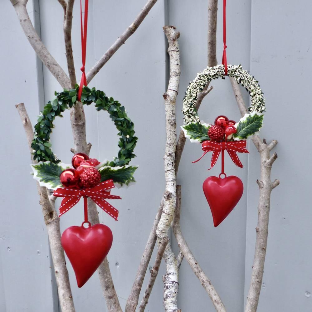 Fensterdeko, Fensterschmuck Winter-Advent-Deko mit Fliegenpilz und Herz Bild 1