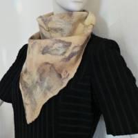 Vielseitig verwendbarer, edles Damen Dreiecktuch aus Wolle und Seide für den Sommer und Winter in Beigetönen. Halstuch Bild 2