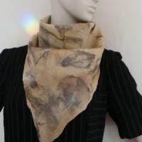 Vielseitig verwendbarer, edles Damen Dreiecktuch aus Wolle und Seide für den Sommer und Winter in Beigetönen. Halstuch Bild 6