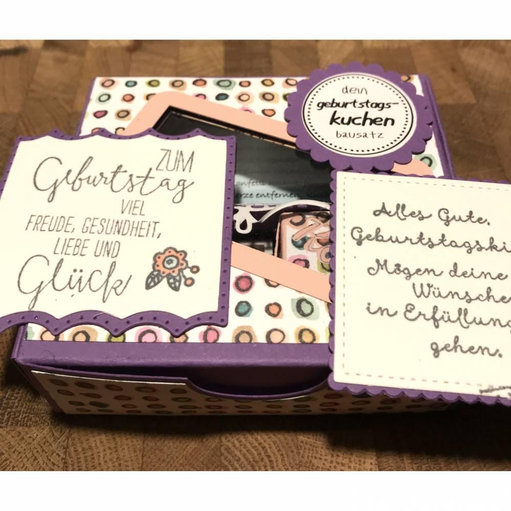 Geburtstagskuchen Bausatz mit Konfetti, Kerze + Spitzendeckchen für den  Geburtstagskuchen To Go   geteilte Leidenschaft