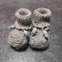 Babystrickschuhe, Zürdelsocken bis 6 Monate Bild 1