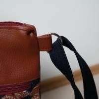 Umhängetasche, Shopper, Schultertasche, Jeans, Upcycling, Kunstleder, Blumen Bild 4