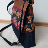Umhängetasche, Shopper, Schultertasche, Jeans, Upcycling, Kunstleder, Blumen Bild 6
