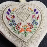 Lavendelherzen zum Knautschen - befüllt mit einheimischen Lavendelblüten - Trostspender für Kranke / ältere Menschen