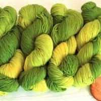 100g handgefärbte Sockenwolle Bild 2