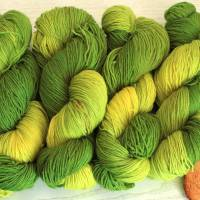 100g handgefärbte Sockenwolle Bild 7