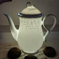 Elegante Kaffeekanne als Lampe aus Porzellan mit LED  (2) Bild 1